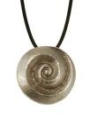 Halskette mit Spirale aus Silberbronze